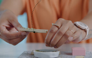 How to Roll a Joint Easy & fast